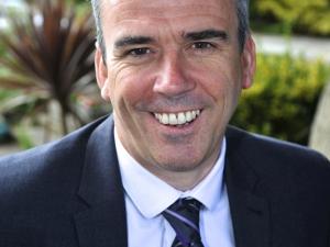 Andy Headshot (Tie)